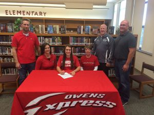 2015_Madison_Lammers_Signing