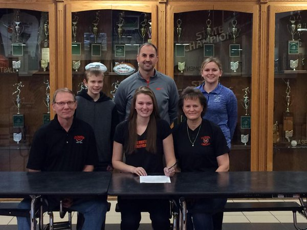 2016_CollegeSigning_DeniseSchwieterman_Volleyball